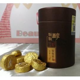 顆顆醇安化黑茶選用陳放4年的一級黑毛茶製成,湯色橙黃明亮,簡單便捷,口感醇厚,具有老茶的味道!